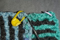 18-attach-yarn-to-corner